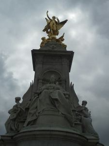 Buckingham Palace--top of the fountain