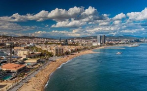 barcelona-beach-a-setting-in-fatal-forgeries-book-4